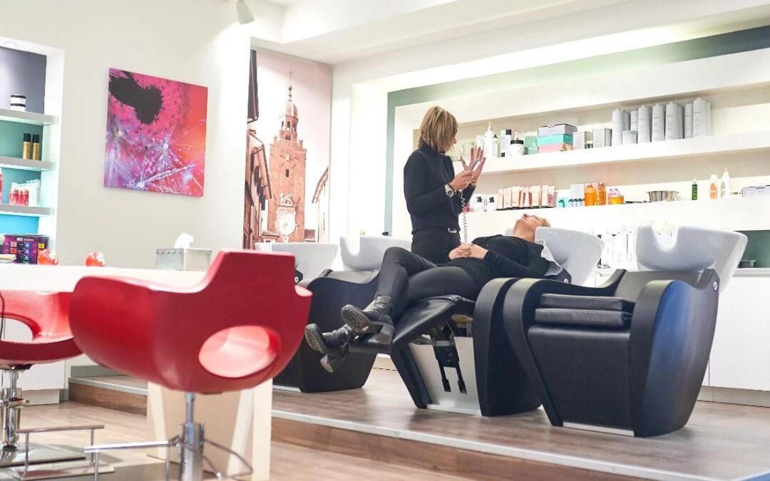Capelli castani: come ottenere il massimo con il consiglio di Colorenjoy Parrucchieri, colorazione sartoriale a Castelfranco Veneto in provincia di Treviso